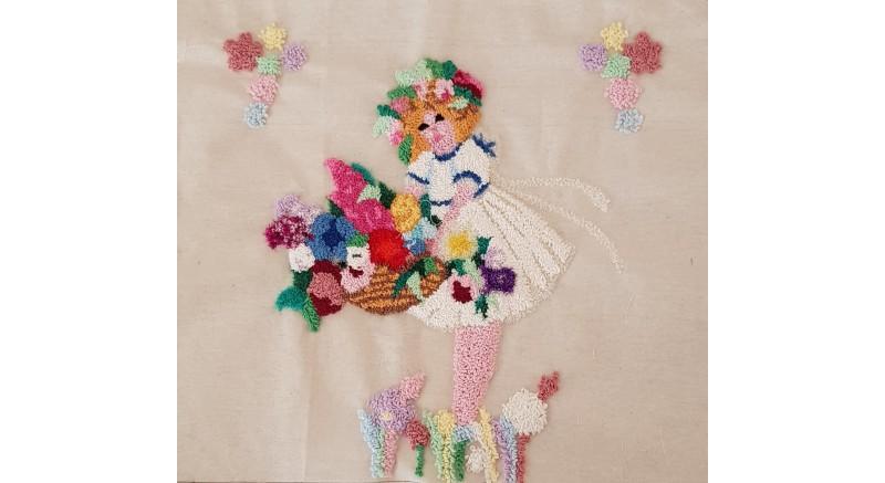 Çiçekçi Kız Punch Yastık