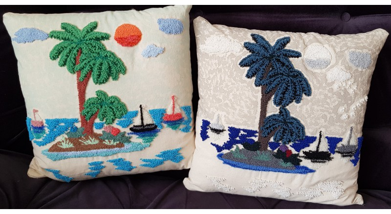 Adada Dolunay Punch Yastık
